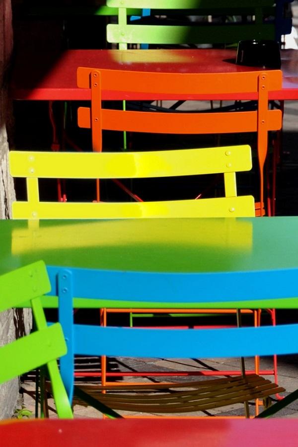 MARC vlChaises colorees.jpg